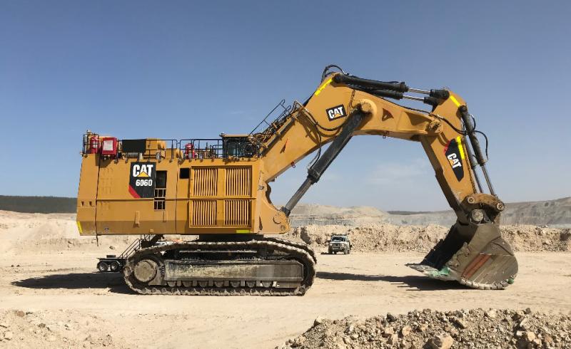 IMAGE_CAT_6060_BH_Excavator_Truck